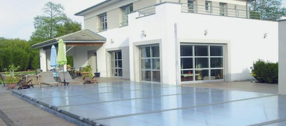 Cubierta extra plana de abrisud motorizada la web de la for Cubiertas piscinas precios