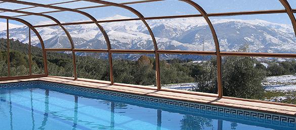 mantenimiento-de-piscinas-con-cubierta